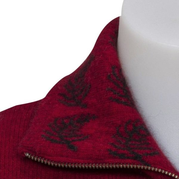 Berry Collar Detail
