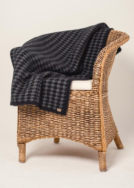 Koru Black/Grey Houndstooth Throw